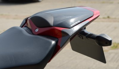 TAIL SLIDER CARBON HONDA CBR1000RR 2008 - 2011 R&G
