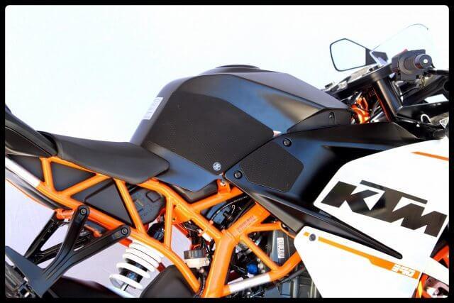 Tank Grips Snake Skin KTM RC390,RC200,RC 250 Techspec