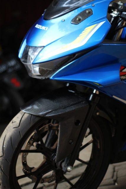 CARBON CUSTOM Spakbor Karbon Depan Suzuki GSX 150 - CARBON CUSTOM Spakbor Karbon Depan Suzuki GSX 150 - CARBON CUSTOM Spakbor Karbon Depan Suzuki GSX 150 - CARBON CUSTOM Spakbor Karbon Depan Suzuki GSX 150
